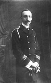 Lieutenant_Votsis_qui_fit_sauter_le_Feth-I-Bulend_dans_le_port_de_Salonique